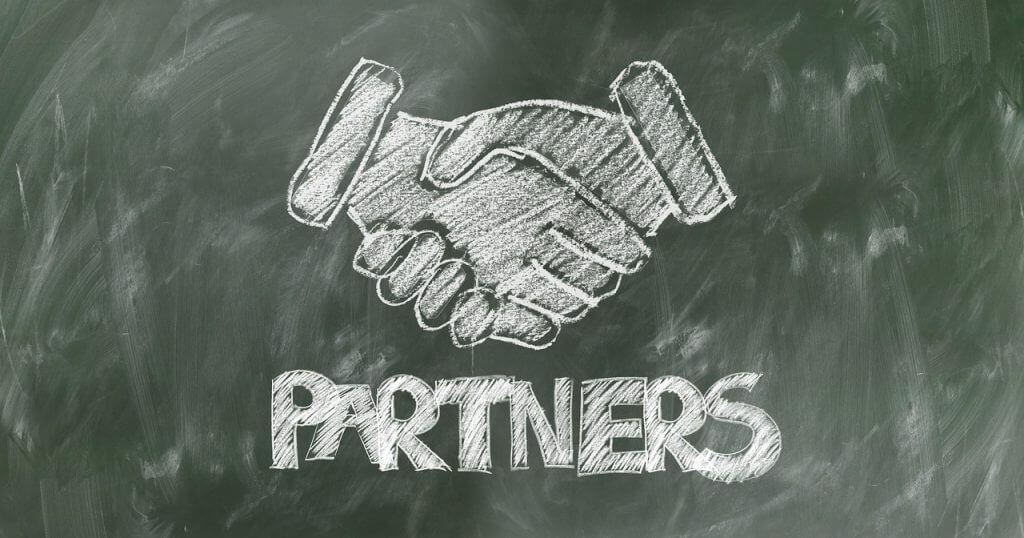 שיתוף פעולה עם חברת ייעוץ